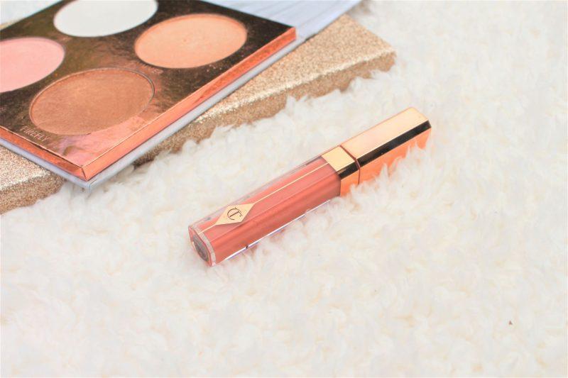 charlotte tibury lip lustre seduction flatlay